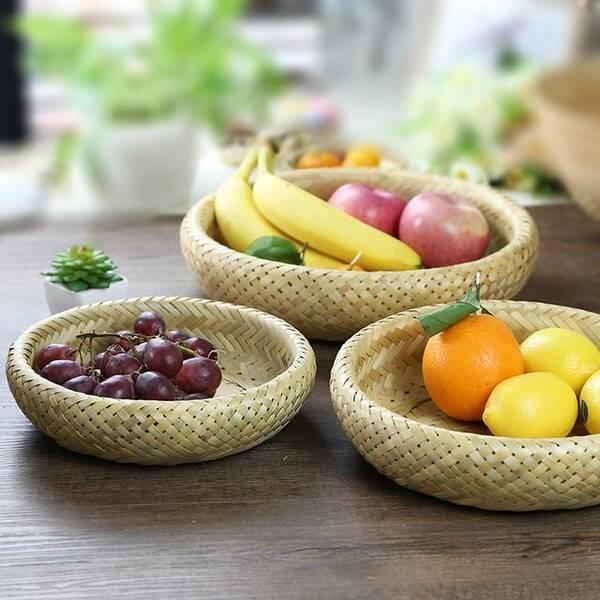 广西手工编织的果盘,可以用水来洗,而且竹子编制的不容易发黑发霉