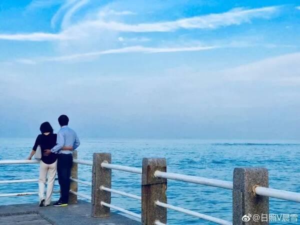 想和你,在某个清晨或傍晚,到海边吹吹海风,聊聊未来.