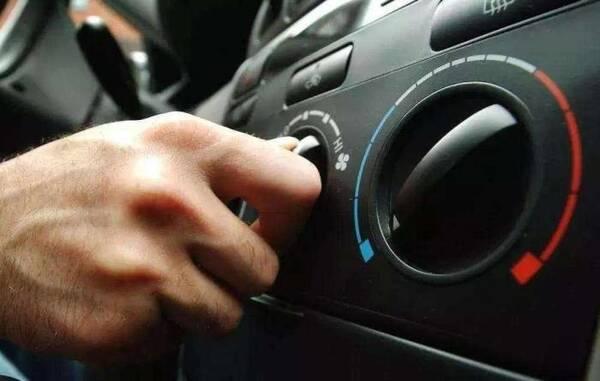 为何冬开暖风比夏开冷风还费油?老司机:这三个动作让油耗多25%
