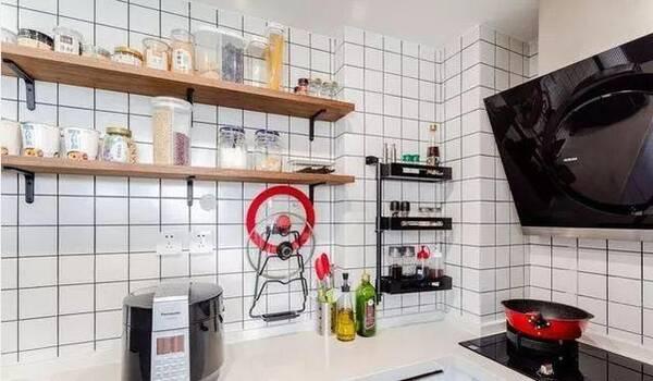 70平跃层,极简北欧风格,电视背景墙真实用,头一次见厨房这样装!