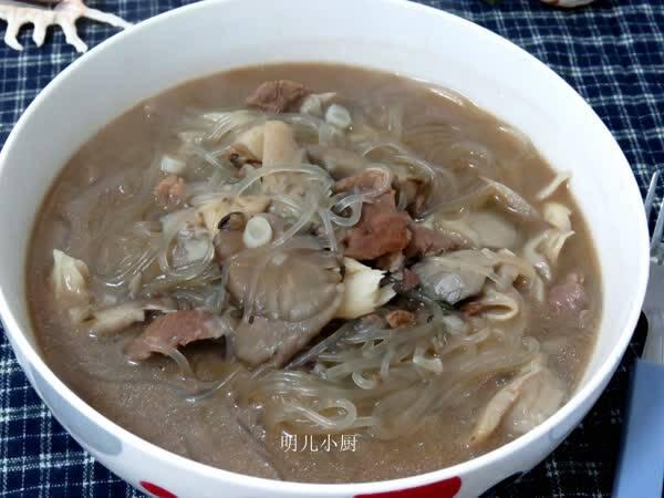 粉条点名要吃这菜,好吃还便宜,随手扔上一把猪肉,吃的儿子炖白菜火锅粉条图片