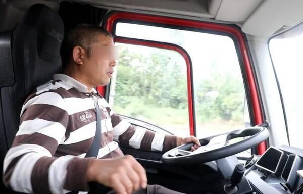 开车技术好坏不能只看驾龄!这4个驾驶习惯全有,才敢自称老司机