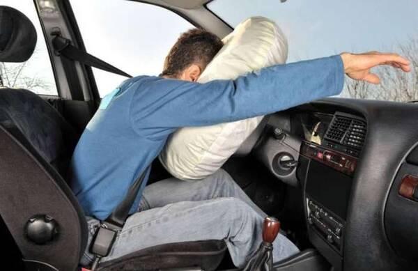 安全气囊弹出再装回要多少钱?听了报价后,车主:不敢用也用不起