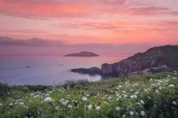 国家重点风景名胜区普陀山位于钱塘江口,舟山群岛东南部海域,系中国