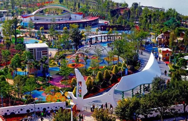 厦门儿童公园位于海沧湖公园东北侧