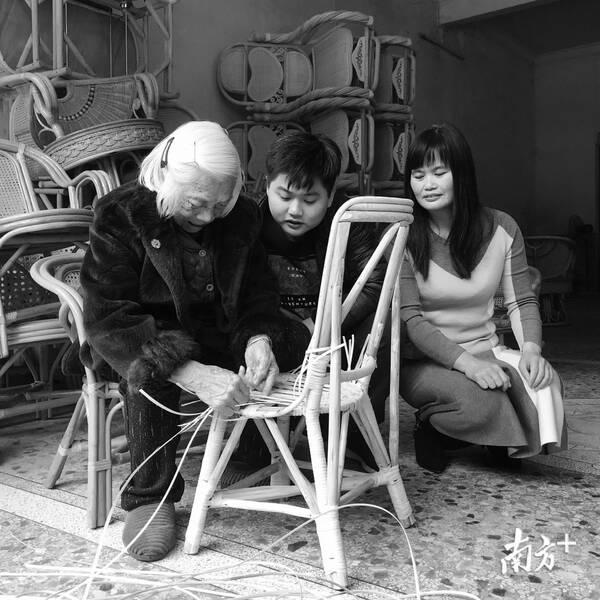 汕大艺术学院牵手梅州写作实践教学基地成立热爱生活反思传承课后热爱微博图片