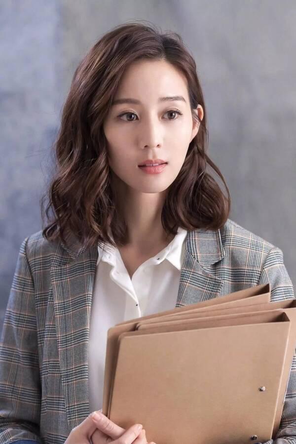 """19年春节发型流行""""s卷"""",适合中长发女生,气场十足还上图片"""