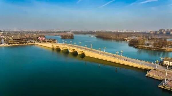 形成别具特色的水上桥梁景观, 重点打造具有聊城标志性的地标性桥梁.