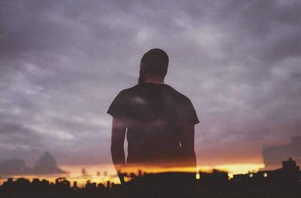 做人要端正,待人要真诚, 千万别伤了人心,寒人心, 心一旦凉了,情就断