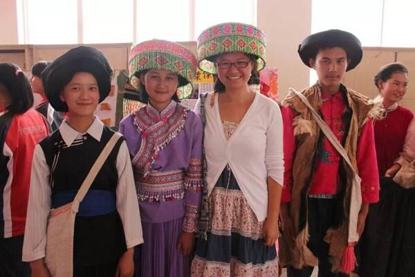 北京姑娘郝琳硕留学归来在云南大理鹤庆县教了两年英语,结束支教之后