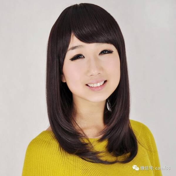 这款中长梨花头发型最适合国字脸的美眉,圆弧型的斜刘海,发尾层次感强图片