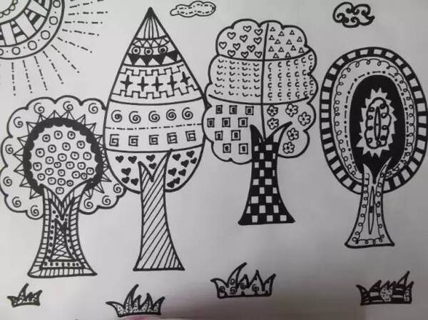 在与学生一步步学习线描画的时候,在黑白的世界里我们尽情的遨游