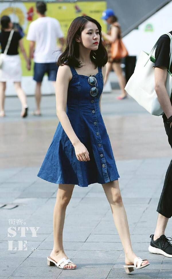 高质量的18位美女_路人街拍, 早晨上班的素颜美女高质量, 身材好到爆