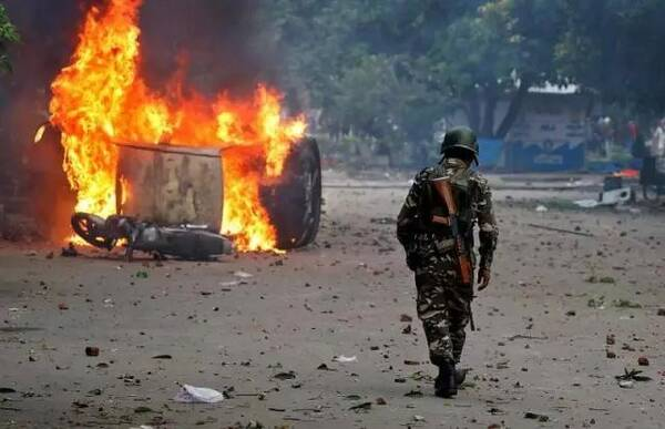 牛弹琴<wbr>:这很微妙时刻,印度突然就暴乱了