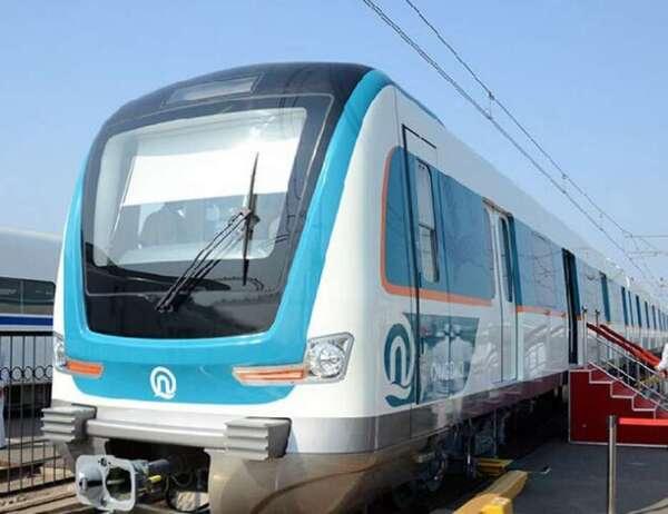 列车自主运行系统将以青岛市6号线一期建设项目为依托,开展基于车载控制平台的列车自主运行控制系统总体方案研究、产品平台开发、试验与测试平台开发、标准/规范体系制定及应用示范线建设。青岛地铁6号线开通运营时,由青岛地铁集团牵头研发的列车自主运行系统将首次应用于轨道交通线路上。