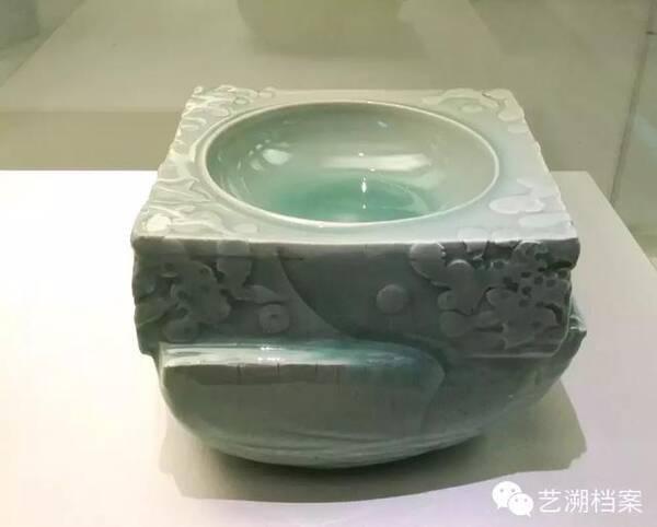 从卢伟孙个展看龙泉青瓷如何从庙堂走向殿堂