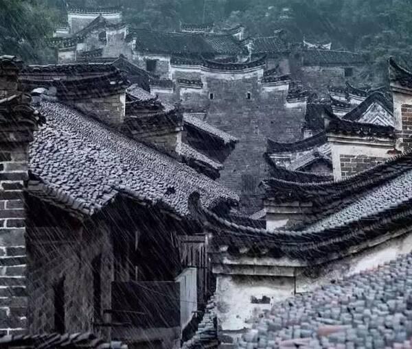 中国传统屋檐的沧桑与超凡