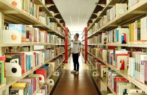 """除了有颜值,我们还是一个有内涵的""""网红""""图书馆!"""