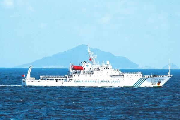 中国海军凌晨接海警求援电话:在钓鱼岛遭外机威胁