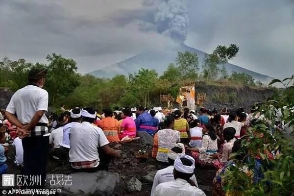 """""""战狼""""真实上演,巴厘岛火山爆发,我国火速派飞机撤侨!"""