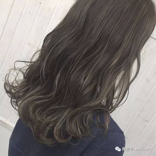 要卷不卷的发型,这个流行趋势与卷发无关图片