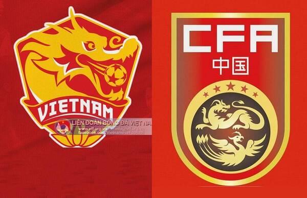 这个新款队徽设计主打元素就是东方龙的造型,和当前中国国家队队徽