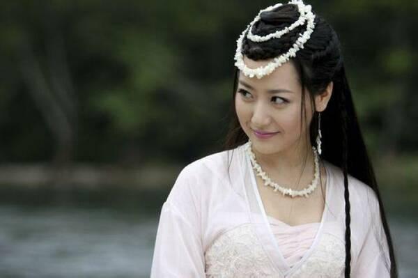 """白冰对胡歌的评价""""京城四美""""之一的她即将回归一线 雪藏多年 她"""