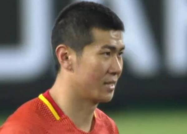 中国足球的悲哀:国足新星现3次超低级失误险成