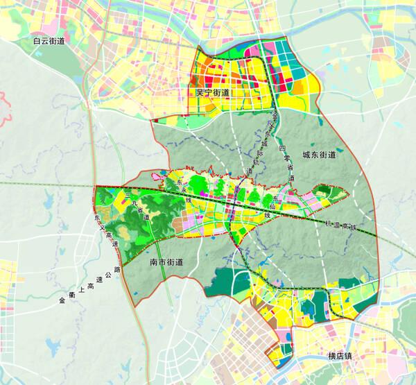 高铁经济合作区用地规划图 市委以高瞻远瞩的眼光和非凡的魄力,将高铁站选址于东阳城区与横店的几何中心槐堂。虽然杭温高铁因此全线增长6公里,多1分钟的行程,但周边10公里半径可覆盖全市接近五成的工作人口,且将金义东城际轨道交通并入高铁站,实现无缝换乘,还预留了杭丽高铁、金义东轨道交通二期接入,大大方便了市民出行。并且,高铁新城是浙中区域性交通中心,规划建设7横12纵交通网,从北往南分别是北二路、站前北路、杭温高铁、站前南路、南二路、金义东线、金衢上高速公路;自西向东分别是东义高速、新39省道、稠岭线、