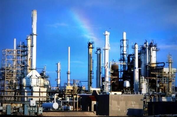 地方炼厂旺盛的需求,不但将支撑青岛港的发展,还会增加中国石油进口