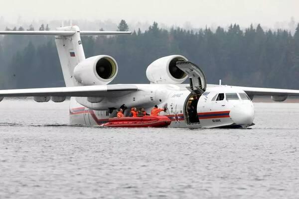 别-200/be-200双发涡扇喷气式水陆两栖飞机,性能上堪称标杆,在欧洲