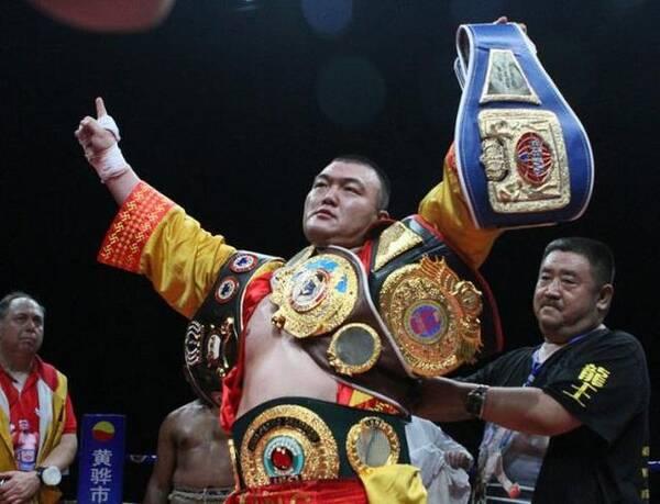 张君龙秒杀双料世界拳王证明