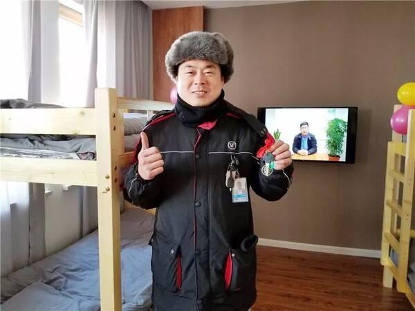 顺丰豪华员工宿舍曝光!320元拎包入住,电视、