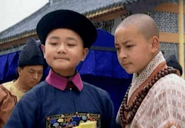 还记得九岁县太爷中的陈文杰吗? 17年过去帅的认不出