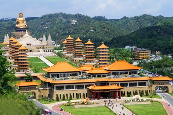 姚祺:春节抢头香,星罗棋布的台湾寺庙都是怎么来的图片