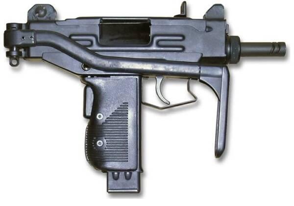 微型冲锋_乌兹微型冲锋枪:全长460mm,重2.05kg