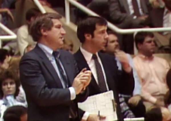 1988年,威廉姆斯成为了堪萨斯大学松鸦鹰队的主教练,此后一直在该队
