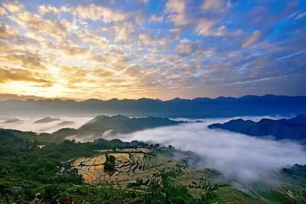 重庆酋阳:情醉千年巴蜀 梦幻十万大山