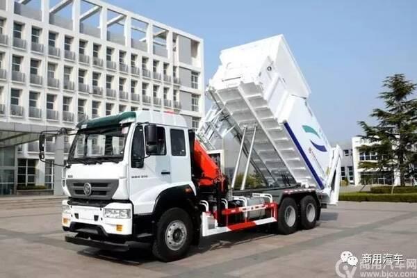 青岛重工成功研发新型吊装式垃圾车图片
