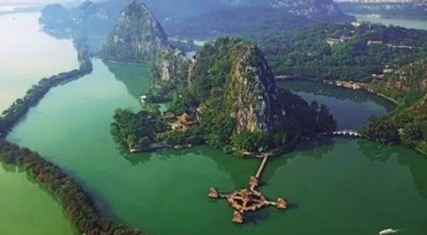 """最美的沿途风景 """"七星岩""""位于肇庆端州,号称""""岭南第一奇观""""."""
