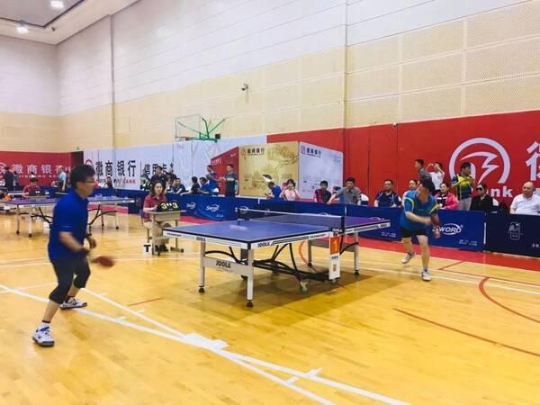 乒乓球协会主席朱达,合肥市体育局群众体育处处长周龙玲,以及赛事承办