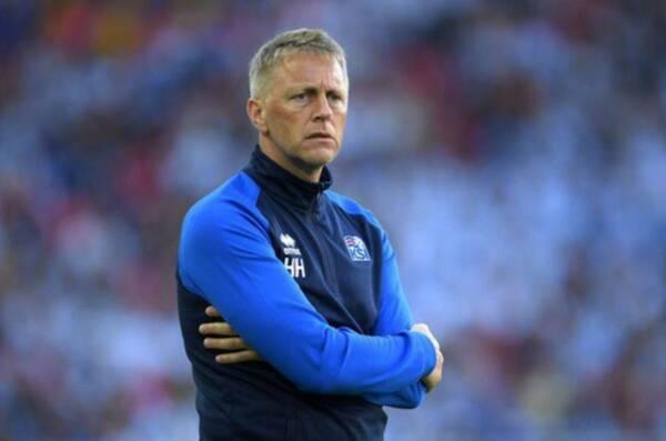 冰岛世界杯:主教练是牙医,扑出点球的门将是位导演,不