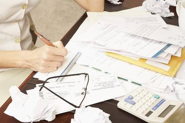 """个税法起征点调至每月5000元,网友称""""太低"""",专家认为""""合理"""""""