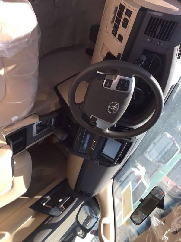 丰田酷路泽4500现车到店,最新报价优惠,多款配置颜色可选