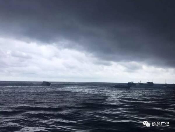 7月5日下午暴风雨来临时普吉岛附近海域.