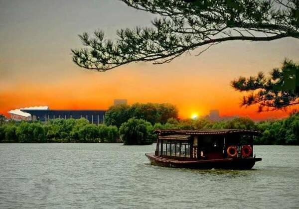 武汉东湖,嘉兴南湖,杭州西湖和中国北湖,你最想去哪个