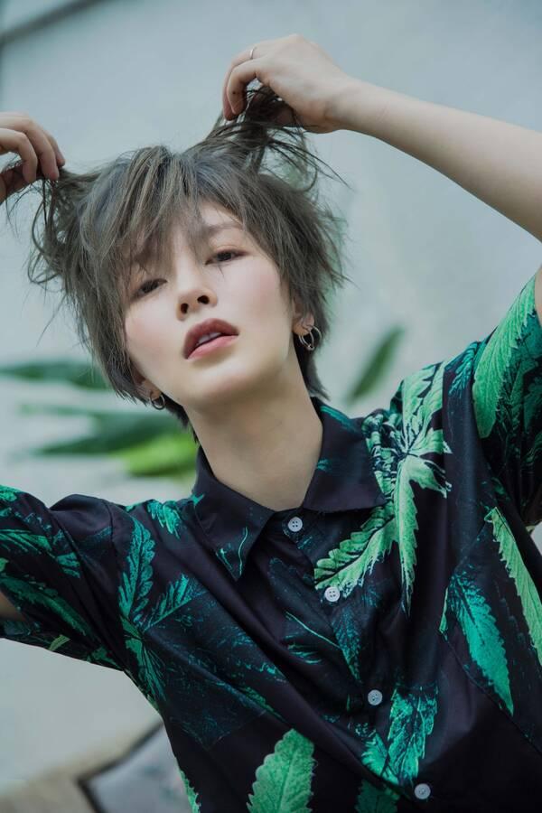 """"""" 其实在饰演程亚楠之前,李萌萌一直以长发形象出现在大众视野,为了该图片"""