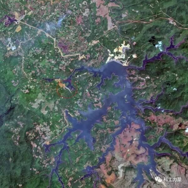 卫星图像上显示在2018年3月12日还没有进入雨季的时候的绿色流域已经