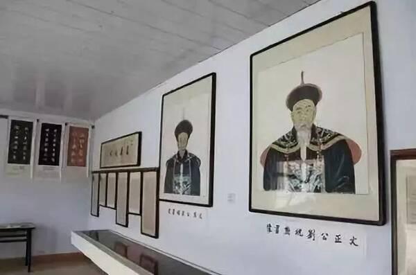 他是纪晓岚的老师,还是一位优秀的宰相,75岁时