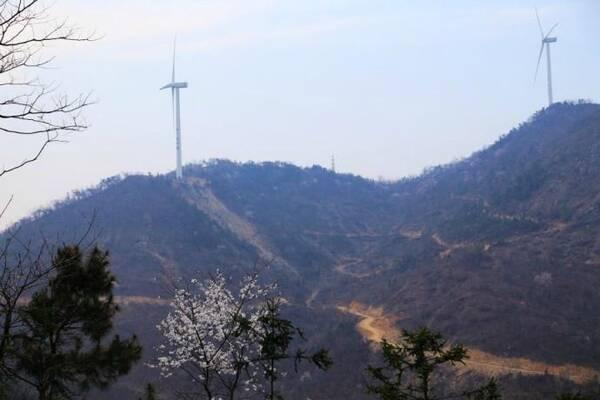 龙潭湖风景区:位于湖北省孝感市大悟县芳畈镇悟峰境内.
